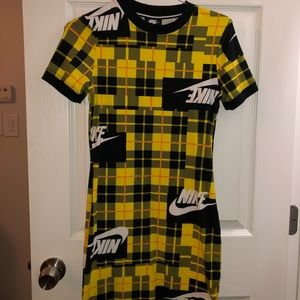 Nike Black and  yellow dress